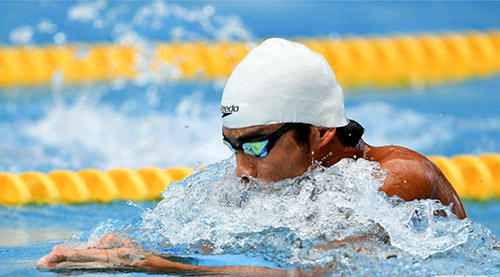 Best national thai swimmer Jiraphat in the competition pool
